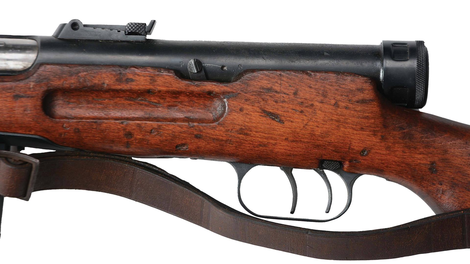 【讲堂529期】来自意大利的设计,镂空枪管套和双扳机,二战最出色的冲锋枪之一