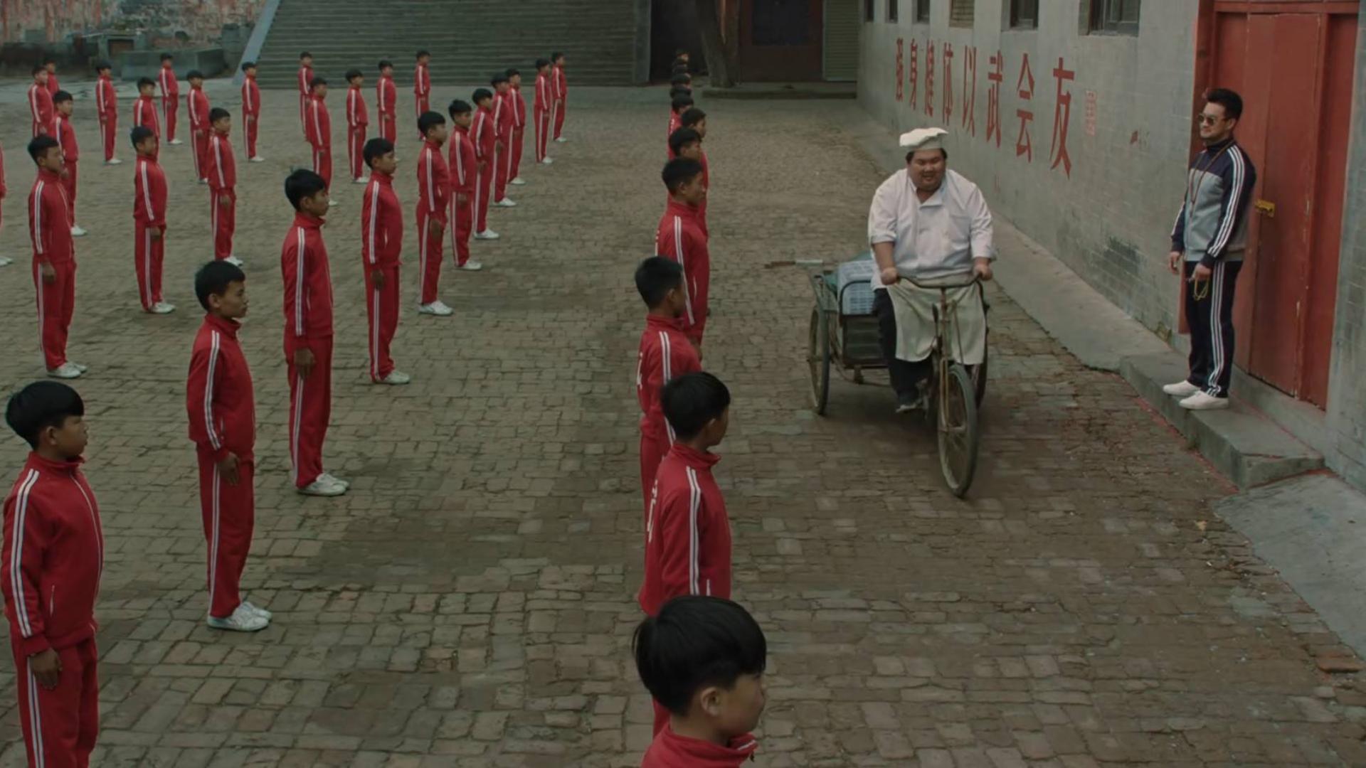 2019年最怪异的国产佳作,探秘嵩山武校的光怪陆离,《武林孤儿》