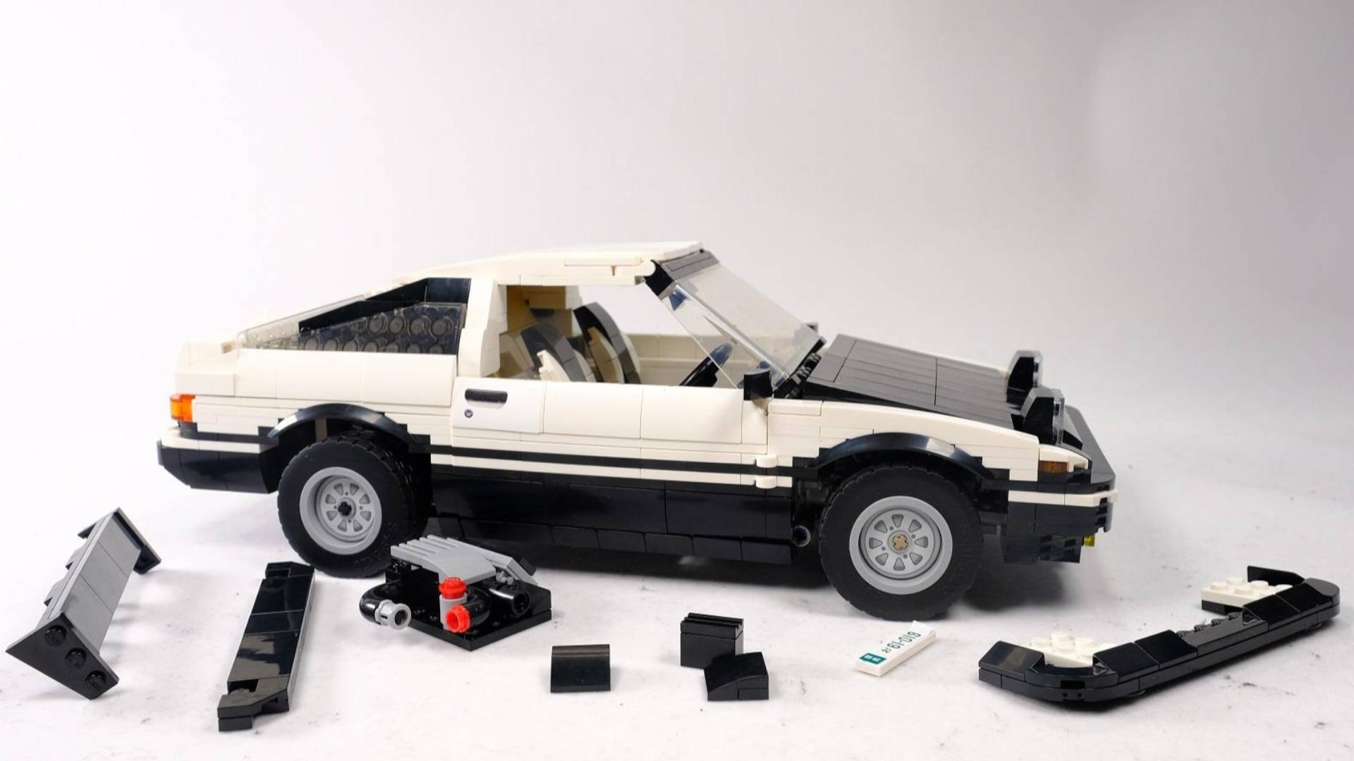 用积木还原飘移神车AE86:双鹰咔嗒积木C61019飘移赛车评测
