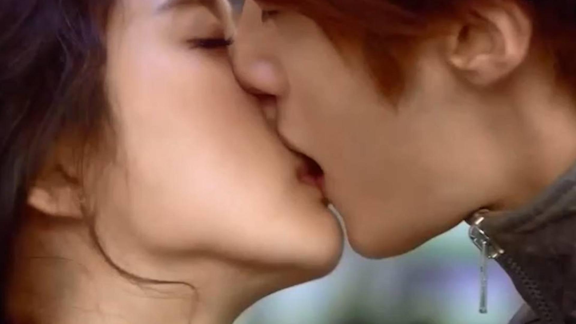 「高能+高甜吻戏合集」甜爆了.女主亲一口男主拉过来回吻真是太苏了