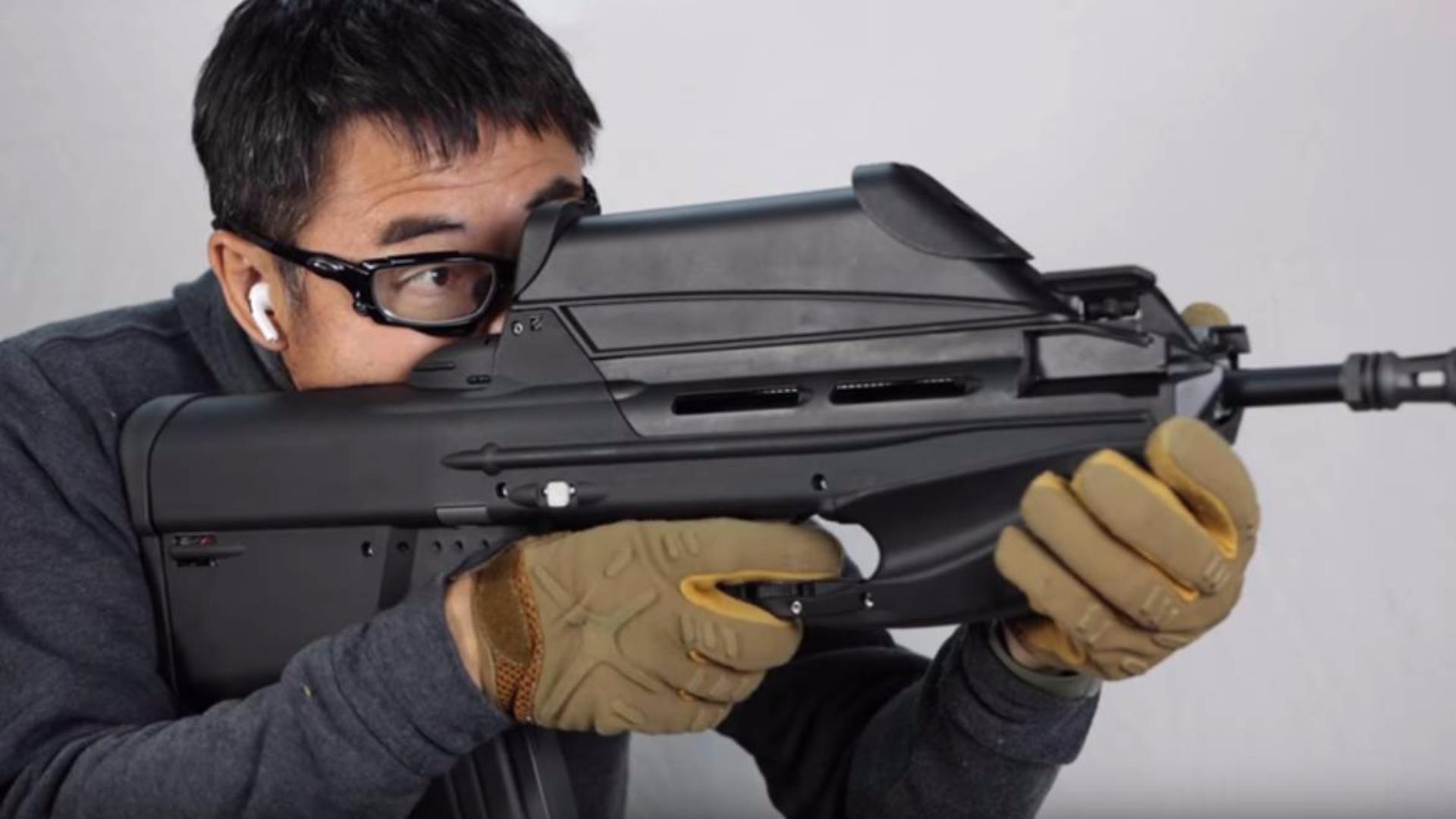 日本壕堺大叔:F2000 ETU FN正式G&G电动枪!!!