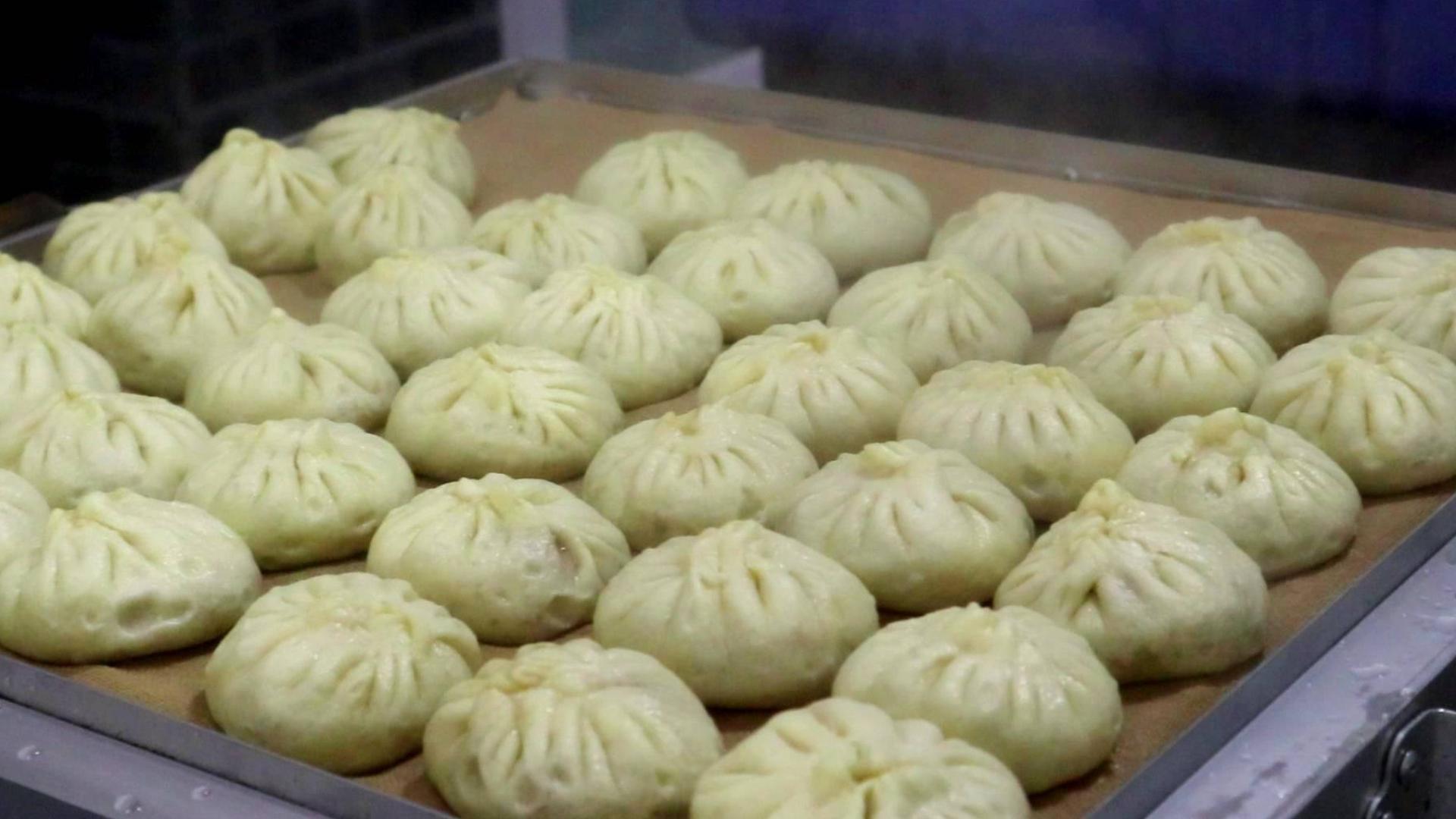 天津本地人爱吃的包子铺,只卖两种馅!10几元吃撑,好吃又实惠