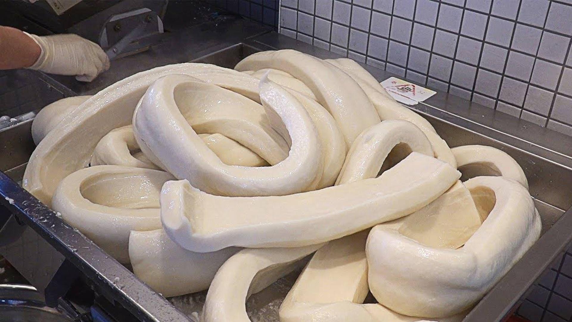 原来我们平时吃的年糕是这样制作和加工的 , 韩国自制辣年糕全过程 !