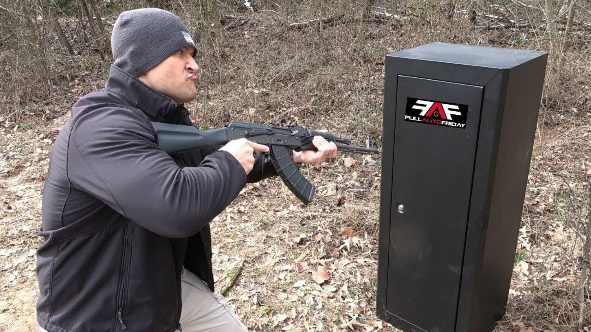 [Kentucky Ballistics]测试使用ak可以射开枪械柜吗