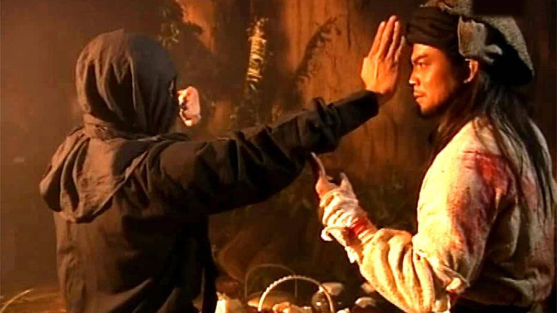 黑衣人武功太强,竟然和萧峰打成平手