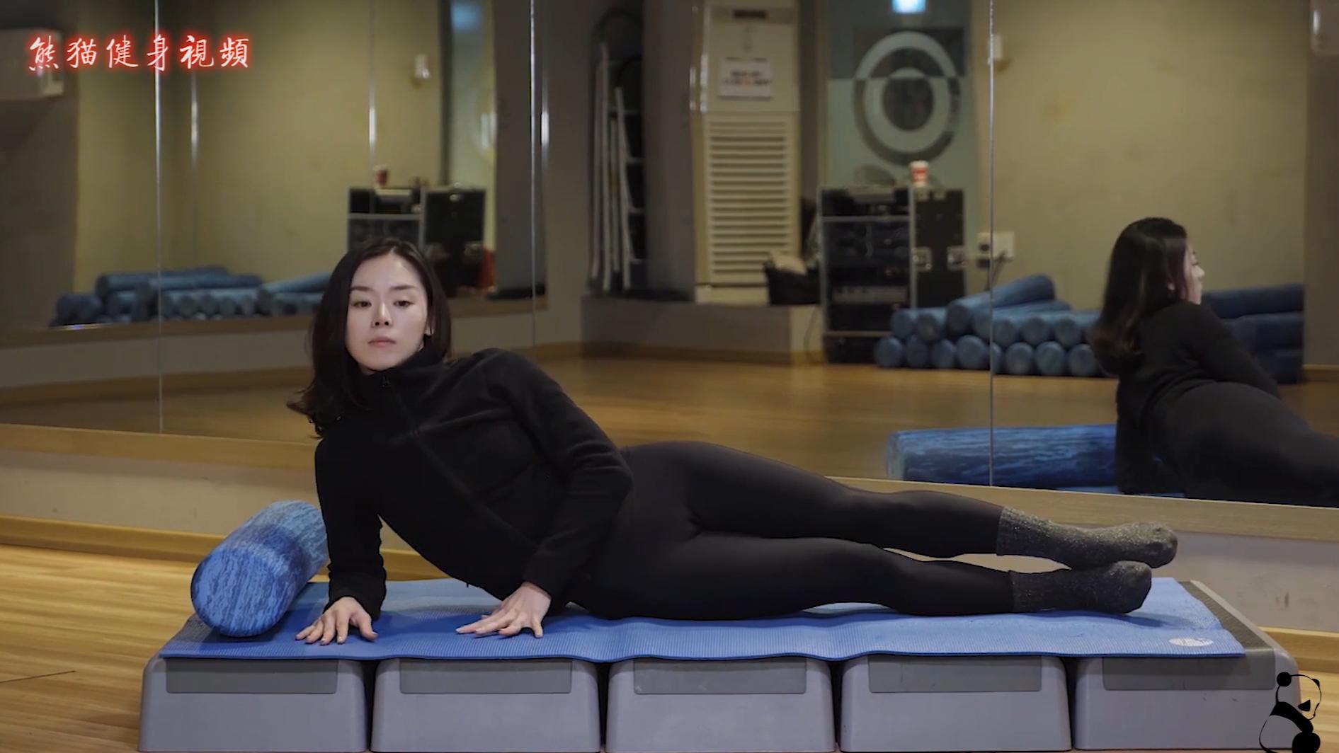 熊猫健身-超简单三分钟腰腹腿训练,妹子很甜动作很专业