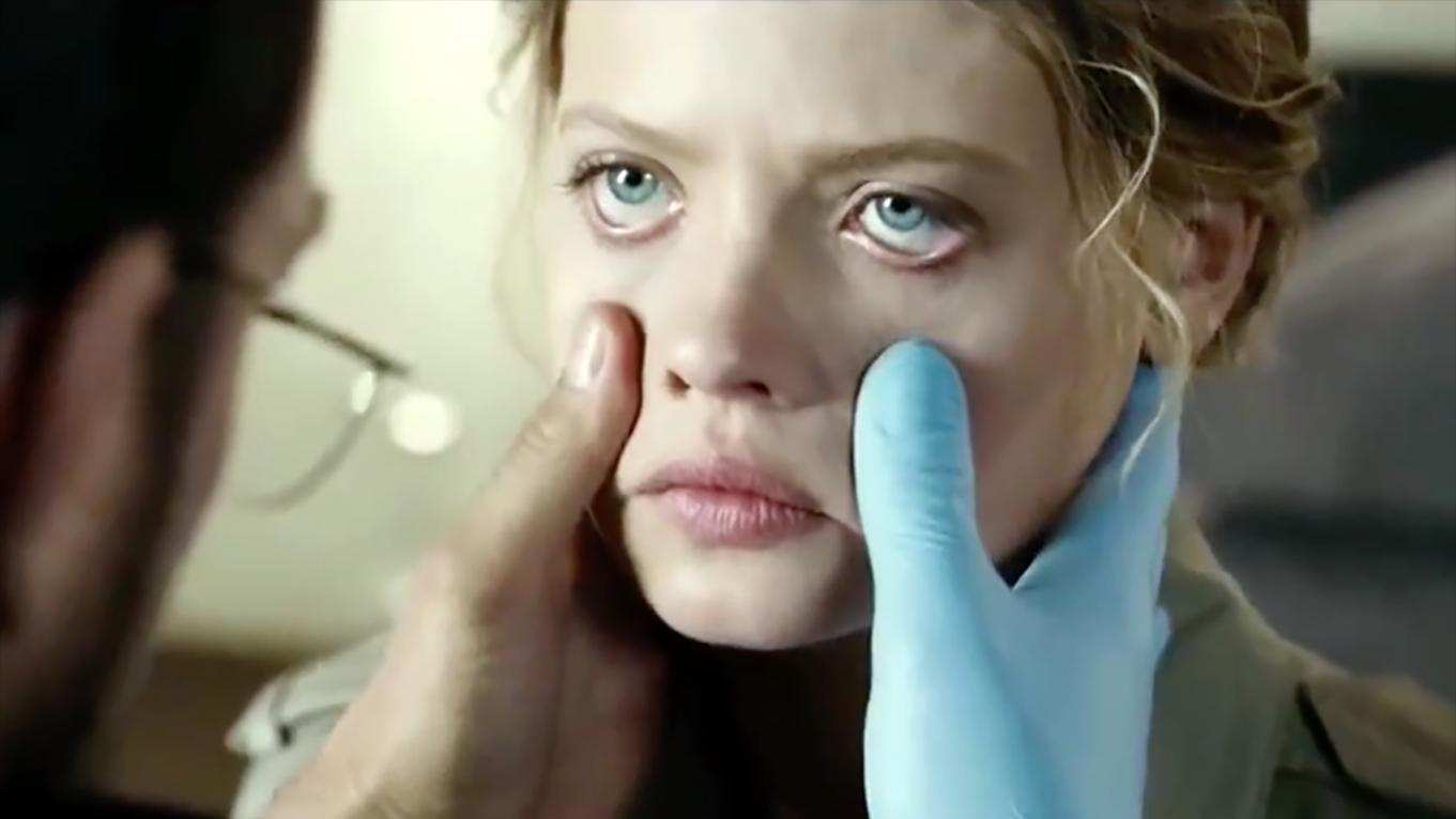 女孩被病态父母打造成生育机器,成年自动怀孕,毫无人性