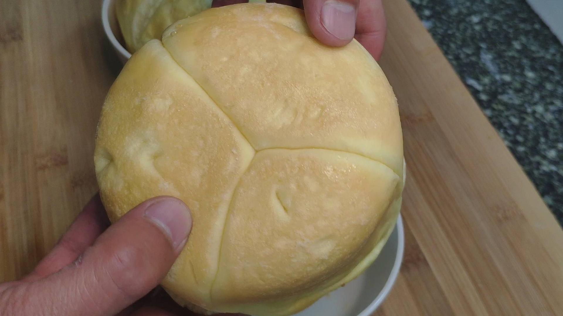 教你在家做面包,不用烤箱,简单易做,比面包店还好吃