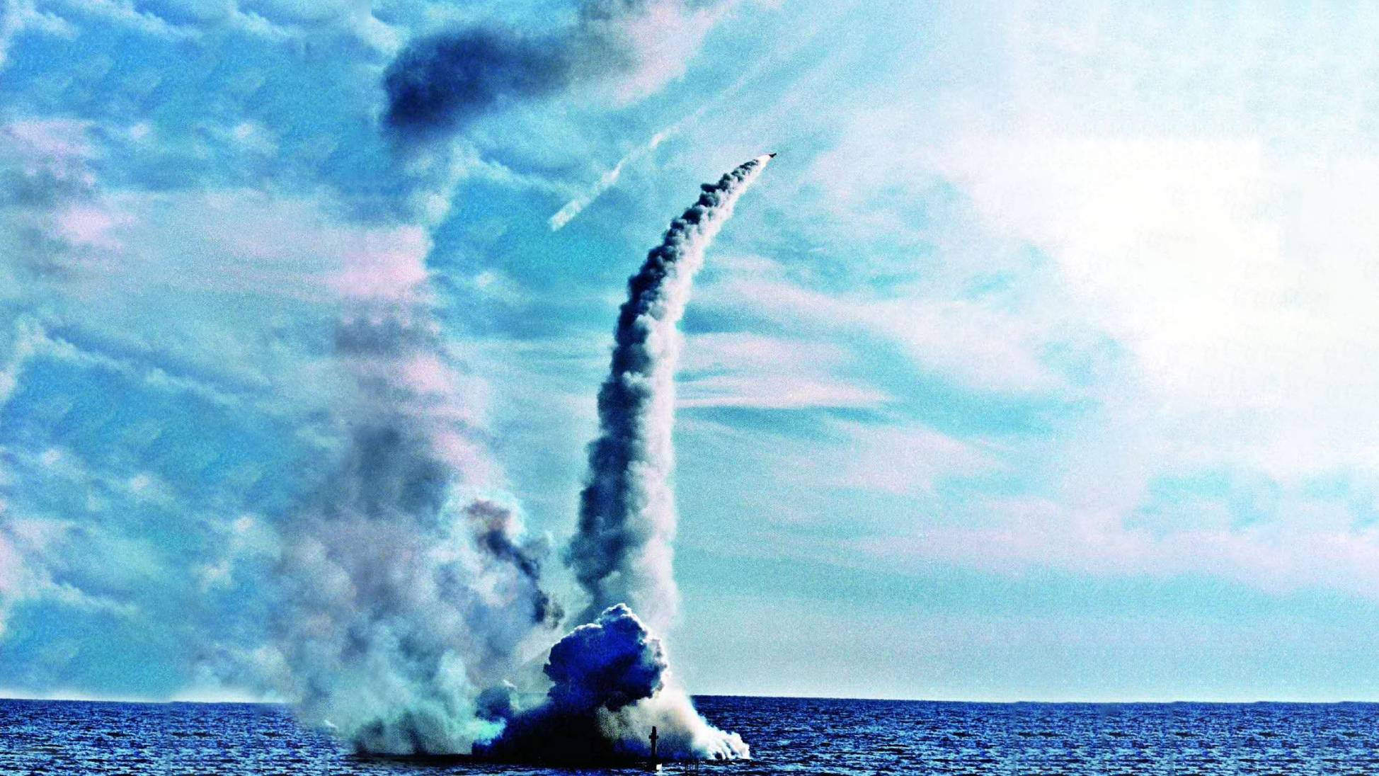 中国再次试射巨浪3潜射导弹:射程1.2万公里覆盖美国全境