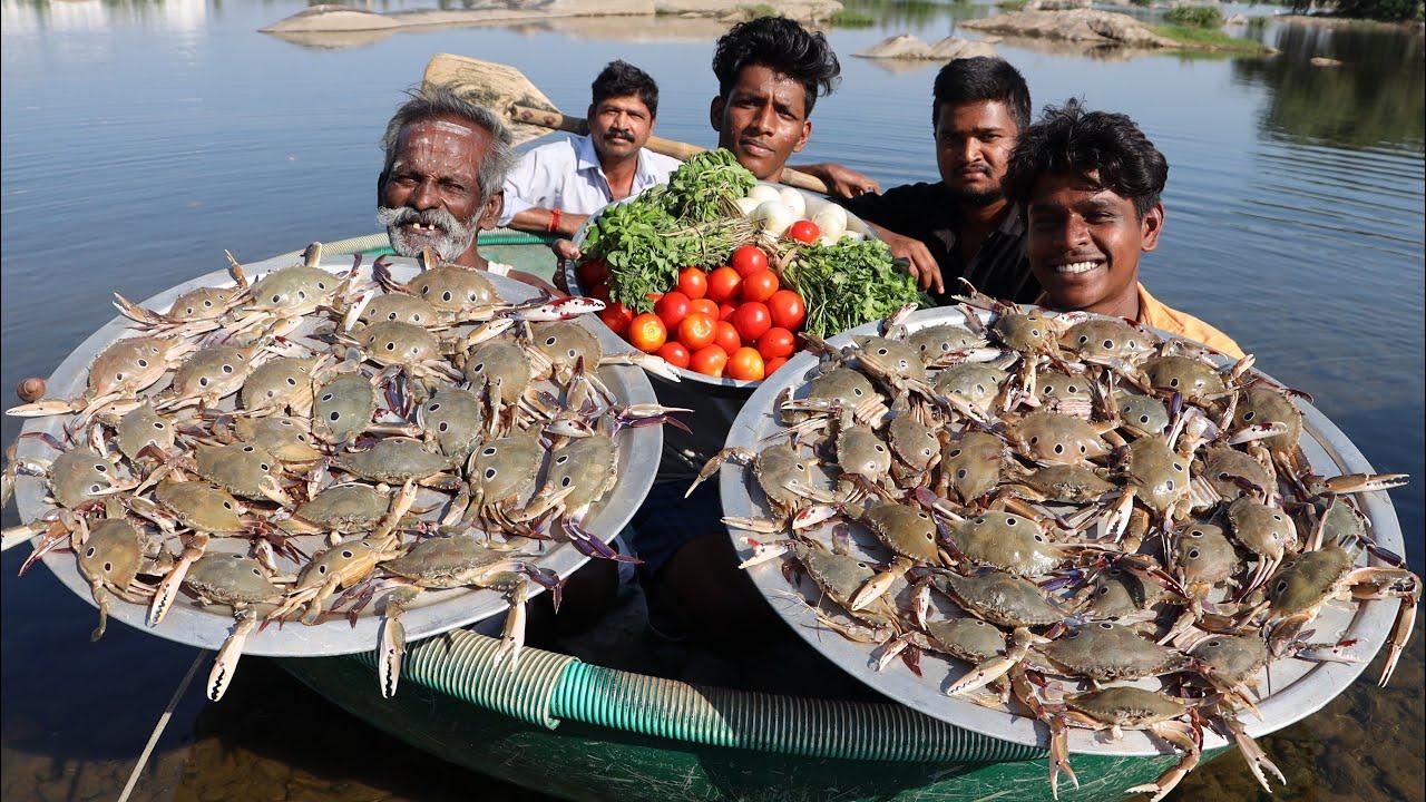 印度人如何吃螃蟹你见过吗 ? 一大盘螃蟹看看印度村民怎么吃 !