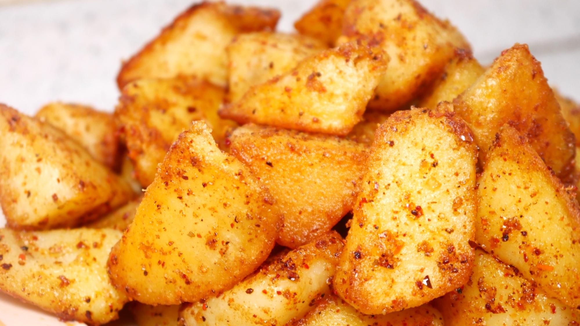 土豆最好吃的做法,一盘孜然土豆,香辣开胃,吃一次就念念不忘