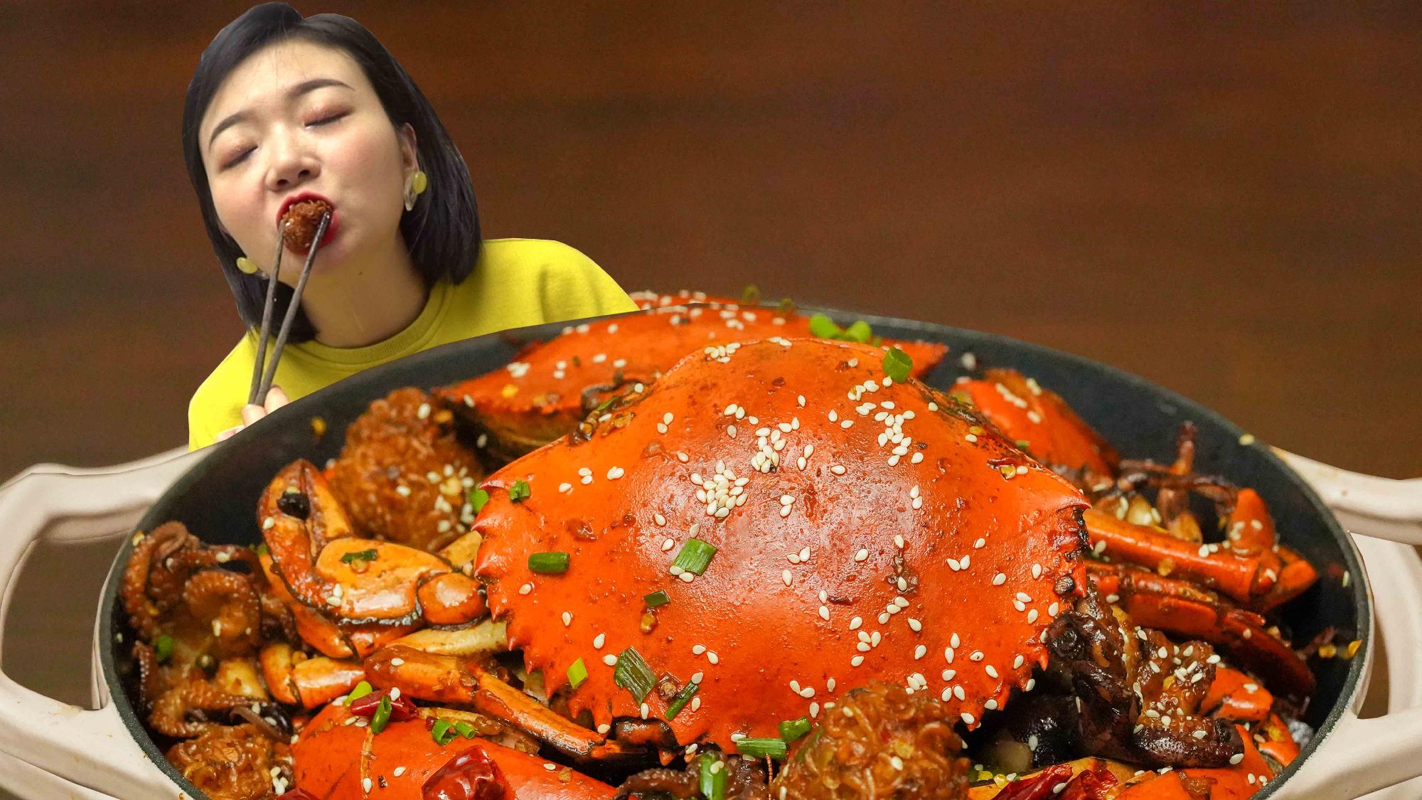 用2元泡面自制500元海鲜泡面干锅,辣椒竟然比螃蟹还多?