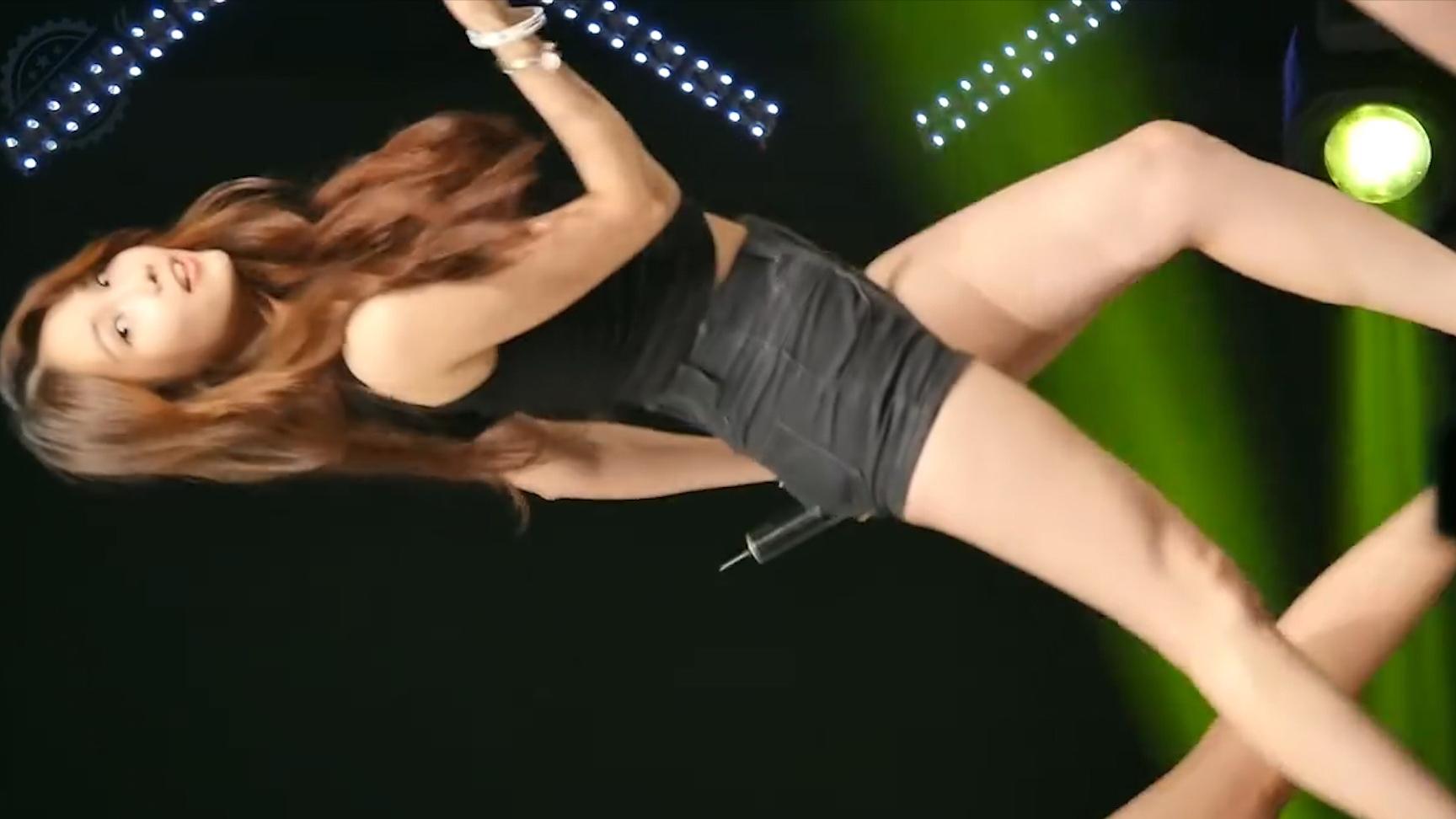 韩国女团热舞现场 (Linzy) One More