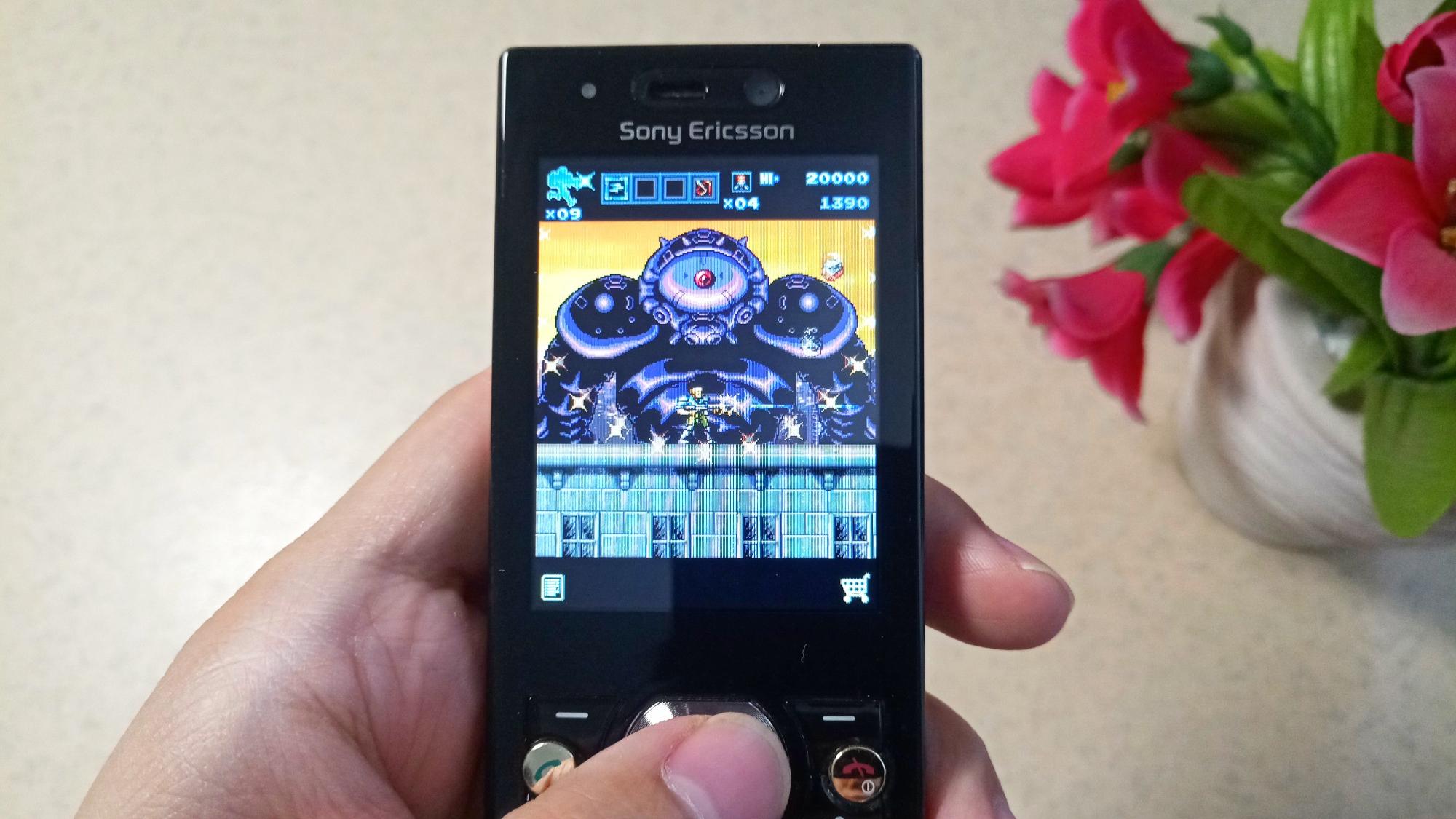 手机上KONAMI官方《魂斗罗》,才900K容量,却有家用机般完美体验
