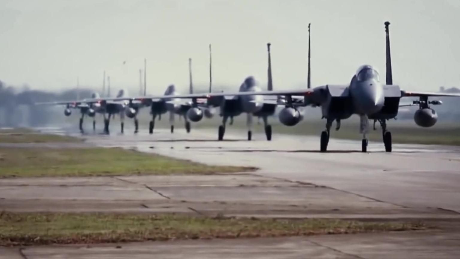 F-15 攻击鹰
