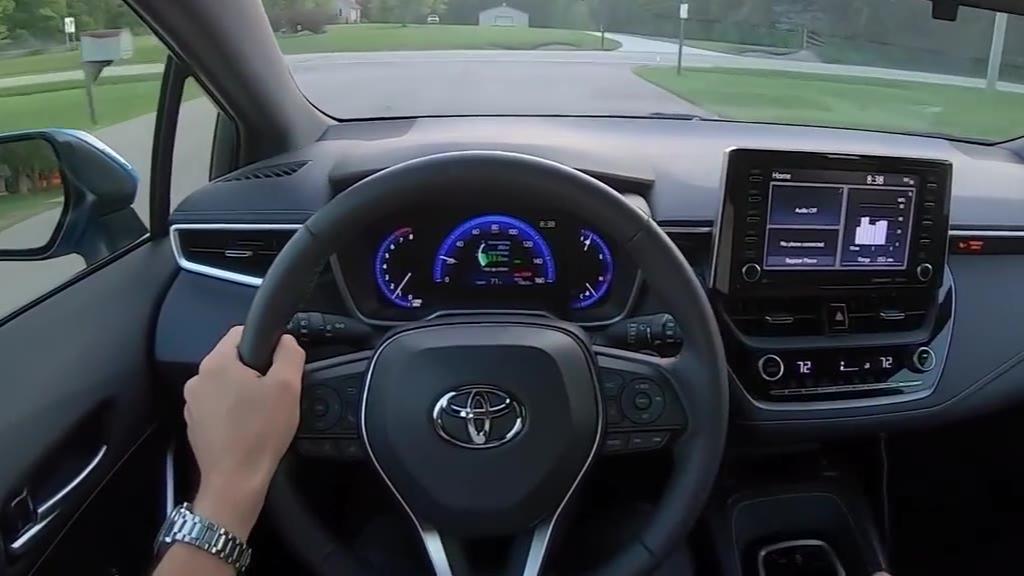 「第一视角」6MT手动挡 两厢丰田卡罗拉XSE(运动版) 开起来怎么样?!
