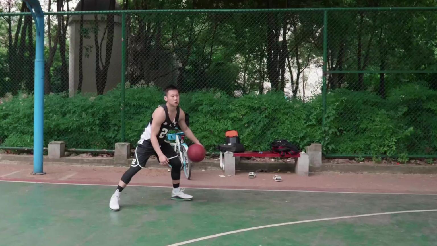 篮球进阶:如何练好自己的弱手?