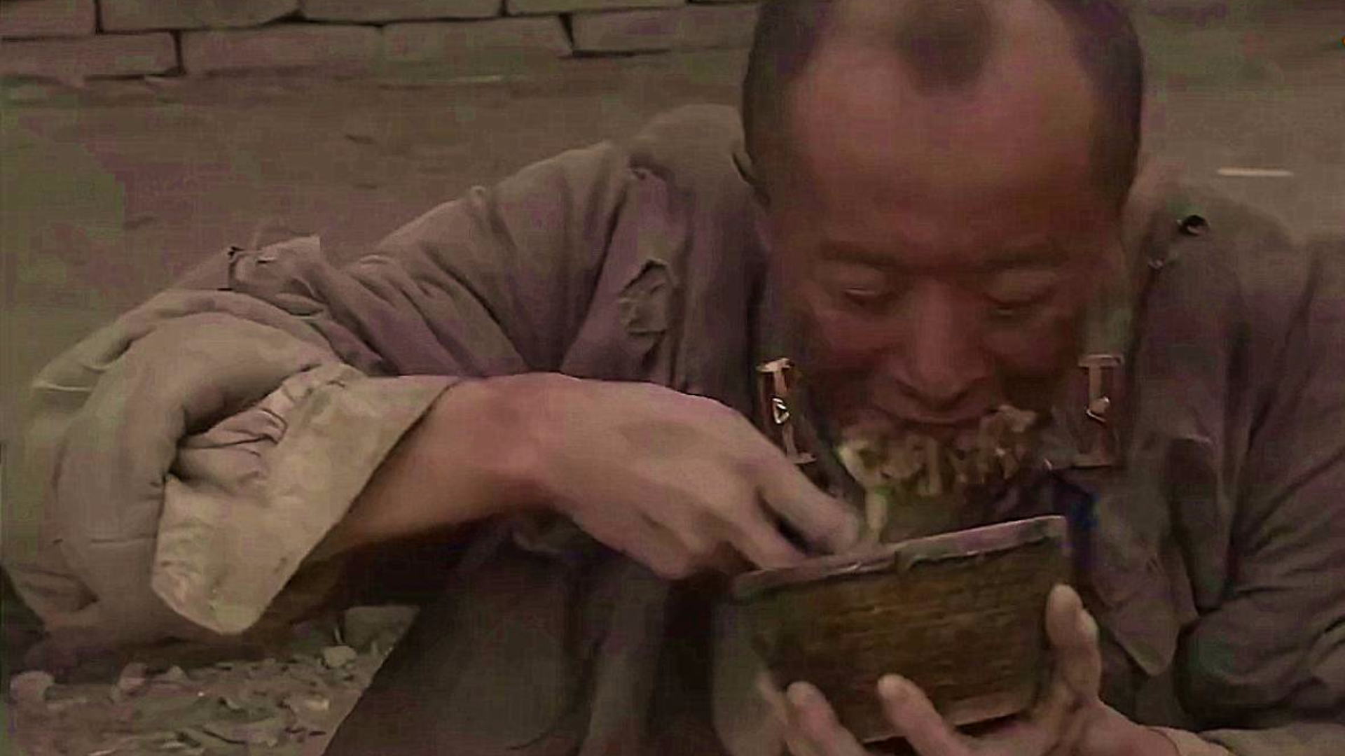 【吃饭影视合集】战争年代的一顿猪肉炖粉条,别噎着了!