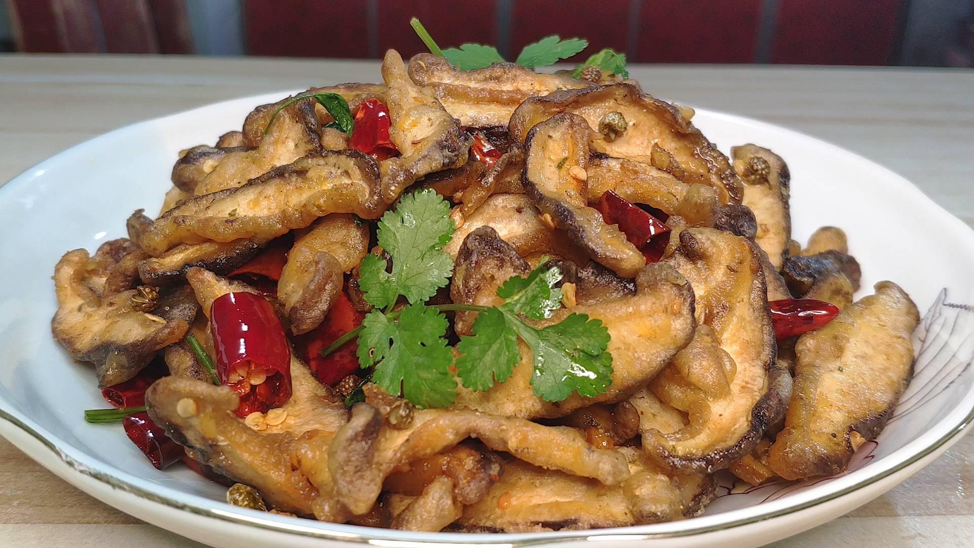 香菇这样做太好吃了,简单一做,香味四溢,真的和吃肉一样过瘾
