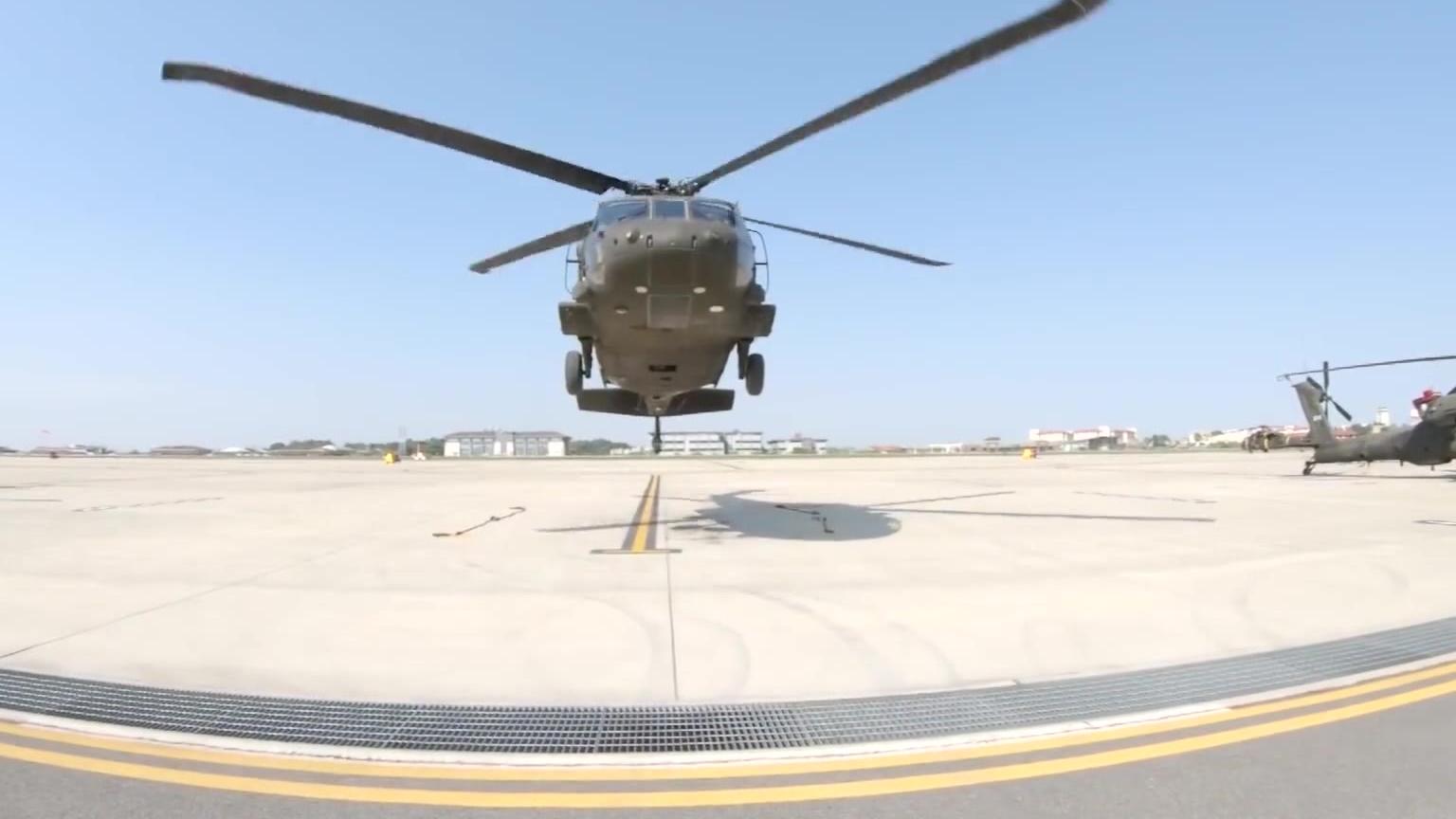UH60L黑鹰发动机起动和起飞
