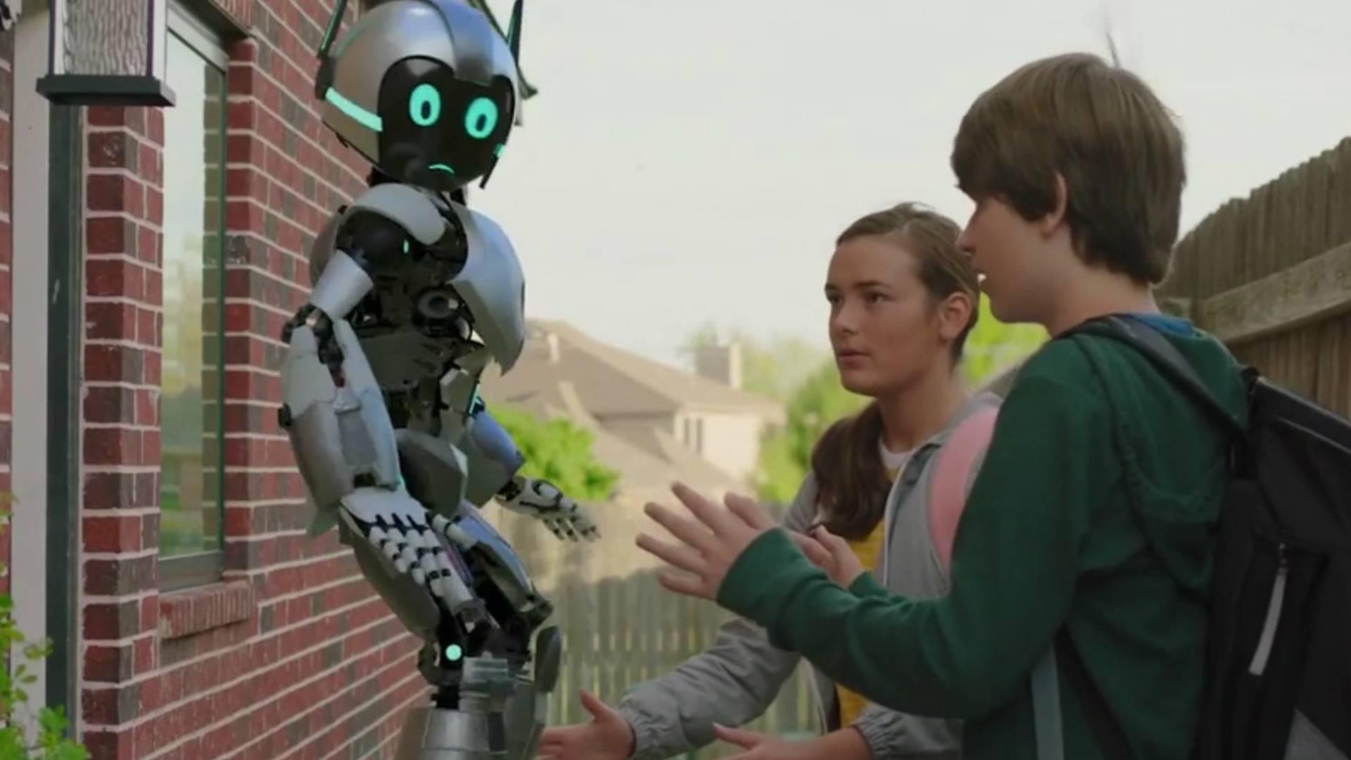 报废机器人被男孩复活,和他合体成机器人战士,最新科幻冒险电影