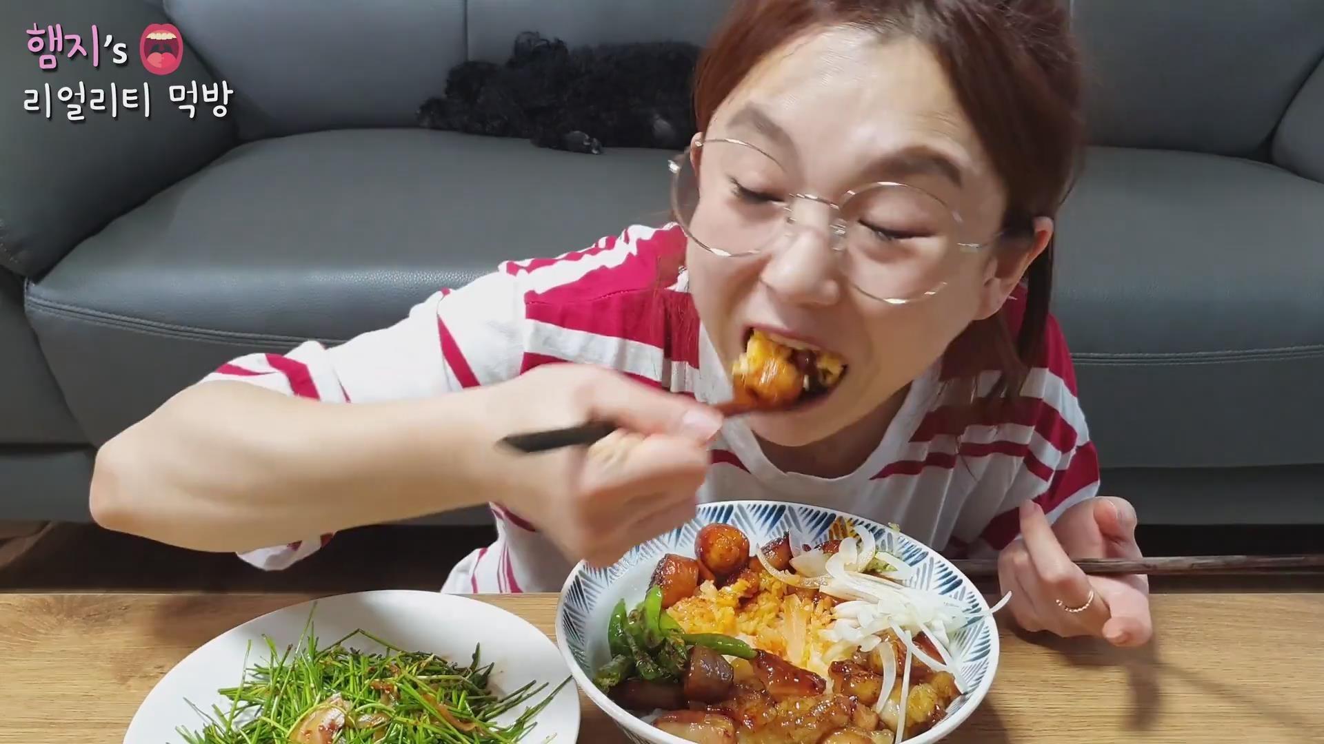 新 【Hamzy超清】 辣火鸡酱牛皱胃牛肠盖饭+拌沙葱烤曲奇