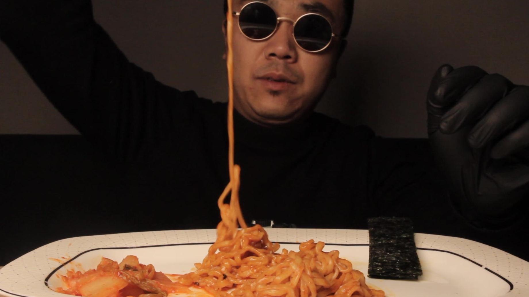 辣白菜+火鸡面吃播