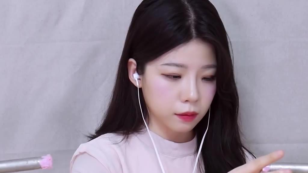 yeonchu助眠-炒鸡舒服的小姐姐一小时深入鼓膜的耳部按摩触发音