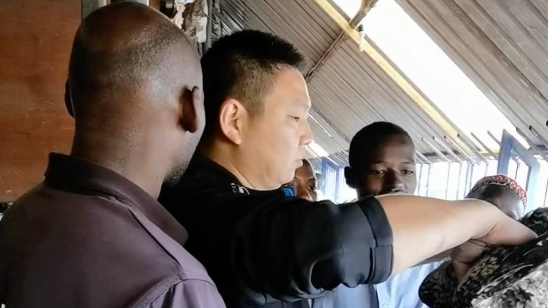 在非洲人眼中,中国人都是土豪,不要打肿脸充胖子,一定要讨价还价