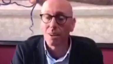 又一意大利市长:你们家的狗都有前列腺病吗?!