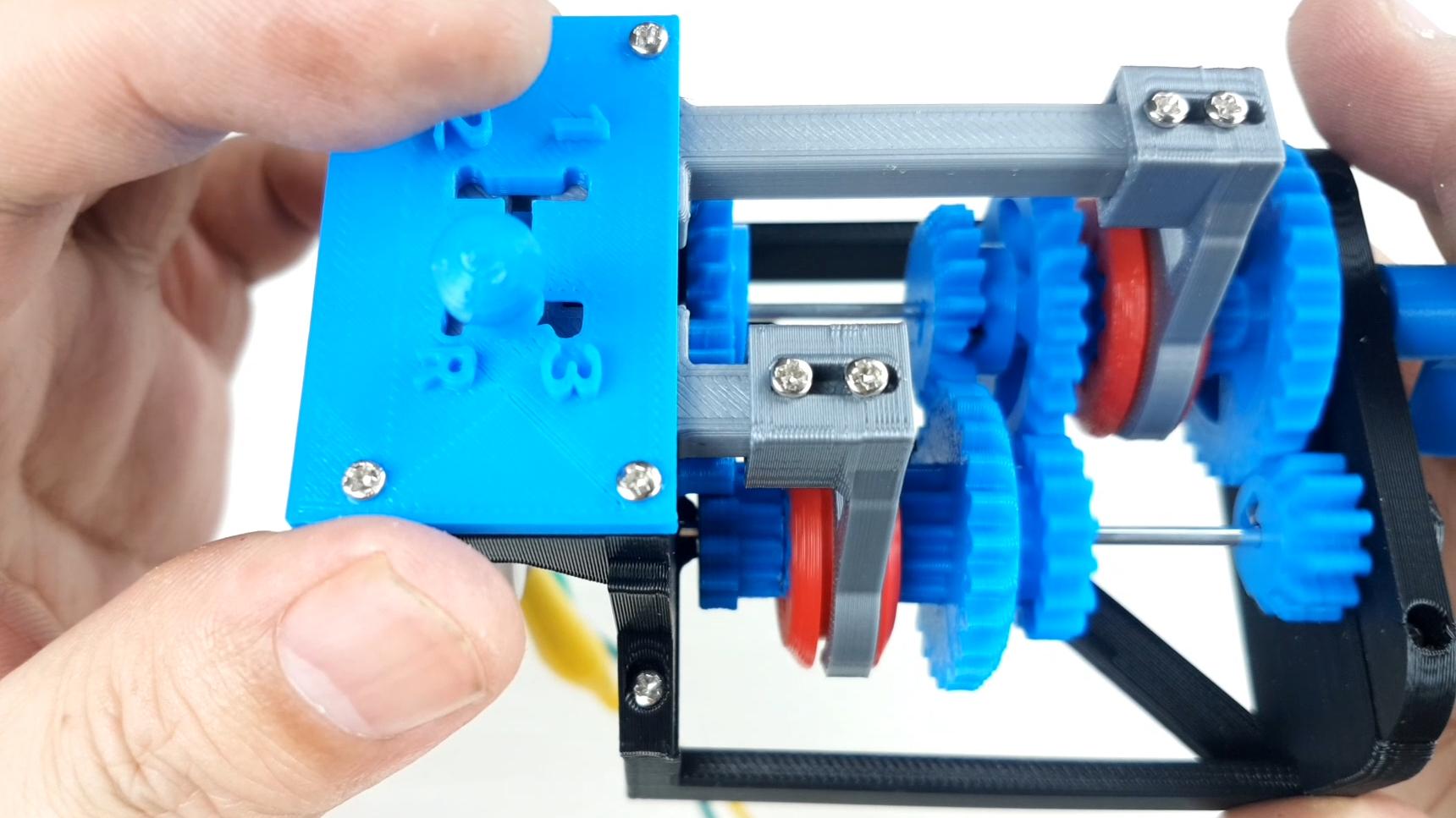 用3D打印机做出一个变速箱模型,看看手动挡汽车的机械原理是什么