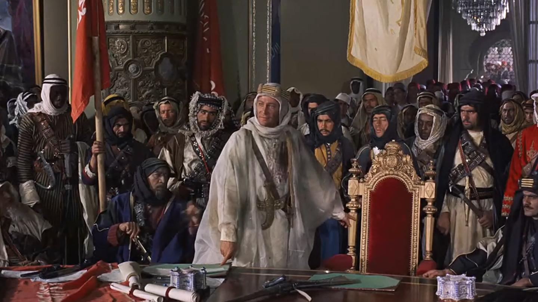 以一己之力搅动中东历史的英国人,影响世界影坛的沙漠史诗电影《阿拉伯的劳伦斯》