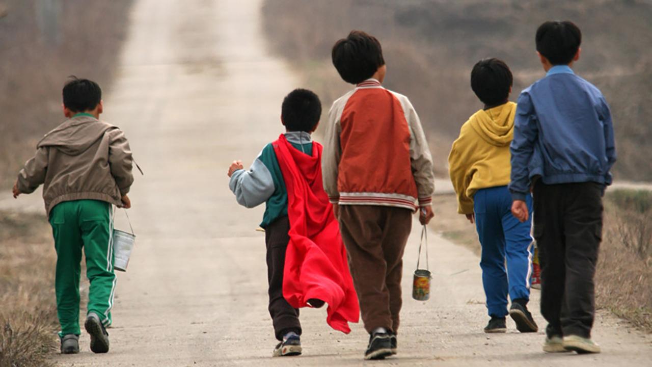 【阿斗】轰动韩国的青蛙少年失踪案,5个孩子离奇消失,11年后被发现叠在一起!《青蛙少年失踪事件》