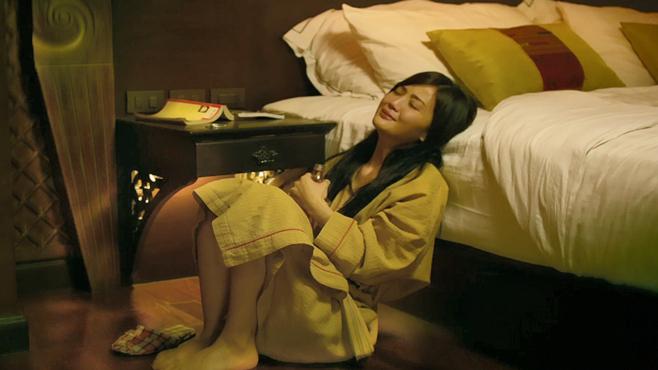 一部香港人性电影,真实揭露了女大学生的悲惨生活,看完让人难受