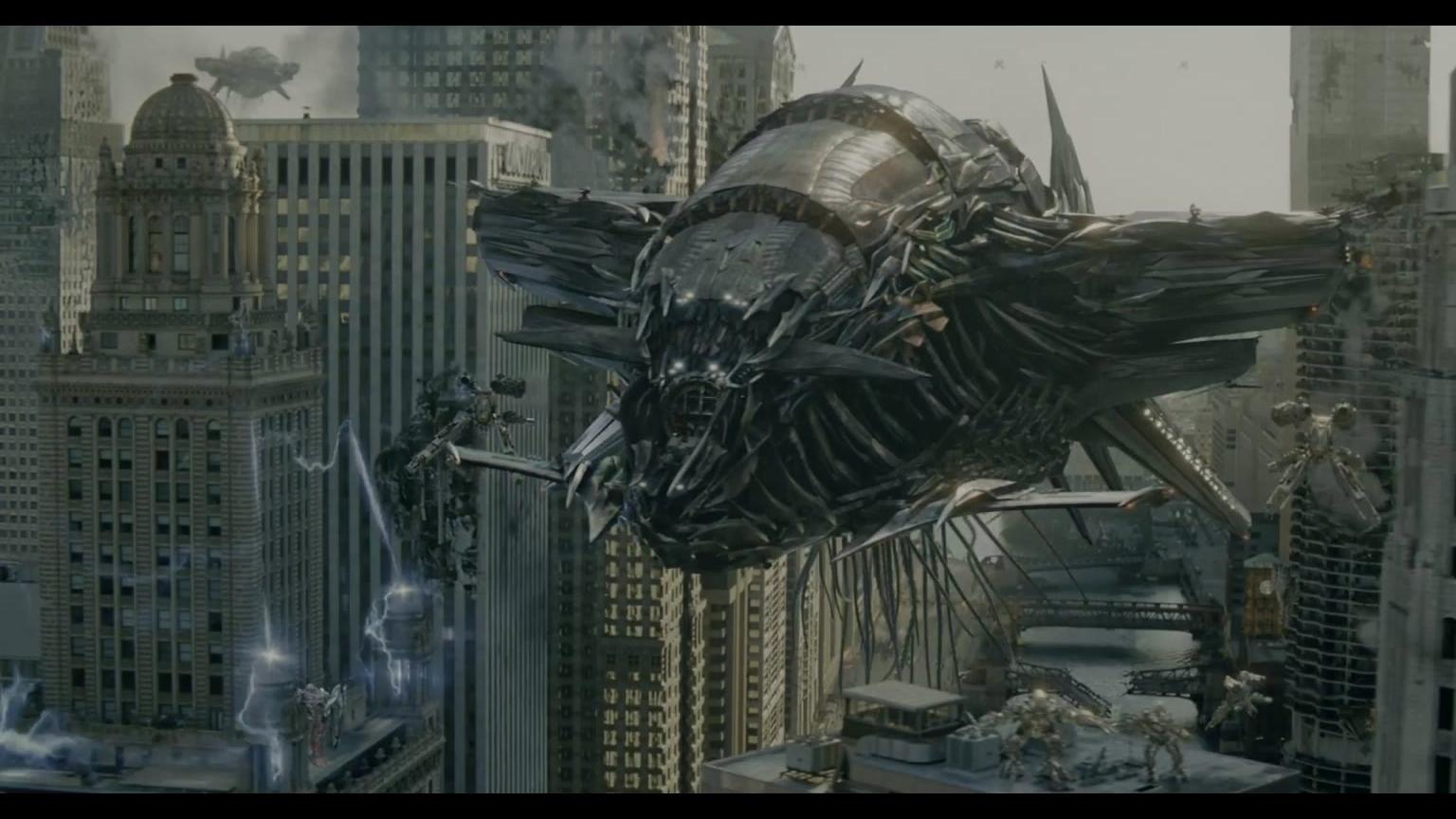 知道外星人的飞船是什么样吗?变形金刚3月黑之时激情剪辑带你一探究竟