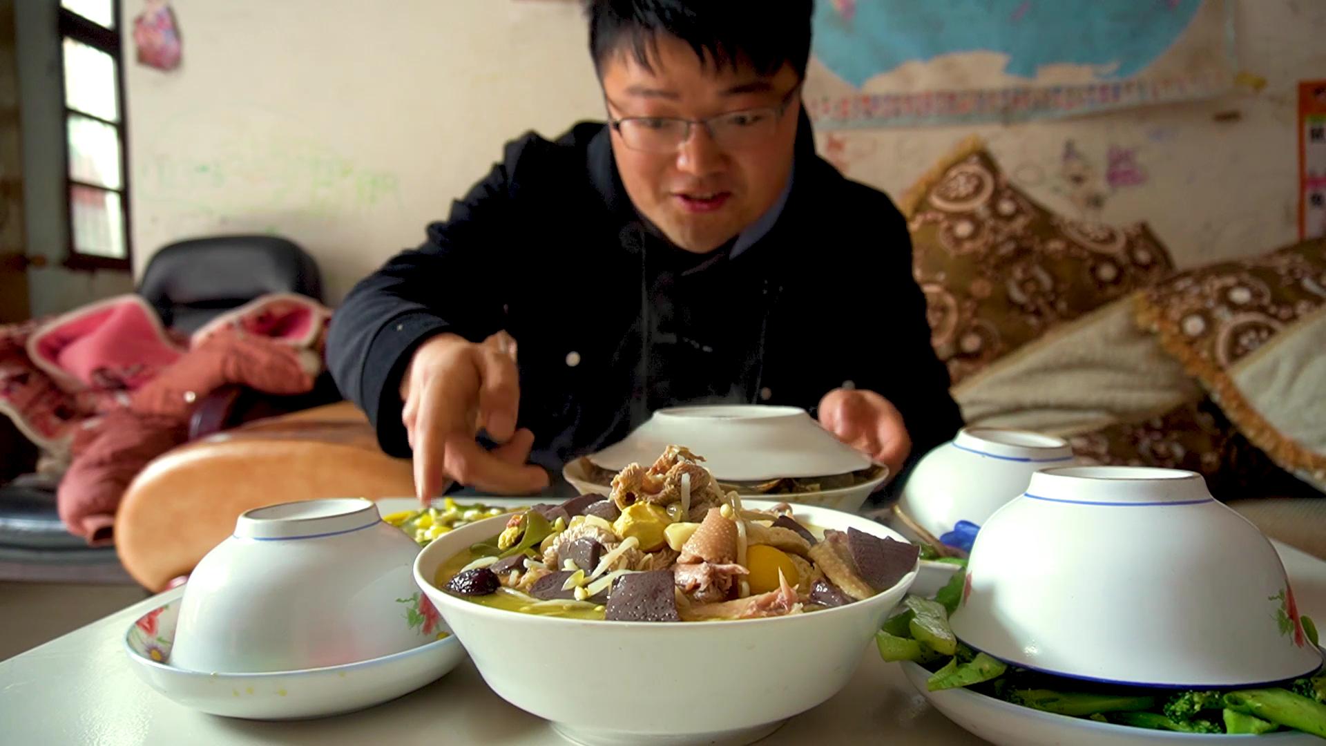 年后第一次岳父家蹭饭,十碟八碗一大桌,大sao跟老丈人奉陪到底