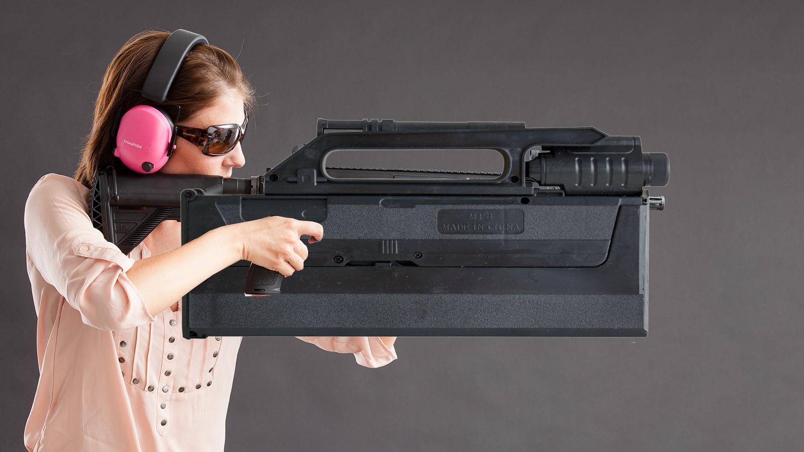 【讲堂548期】外观像手提包,专门为特工间谍而研制,解密美军FMG-9折叠冲锋枪
