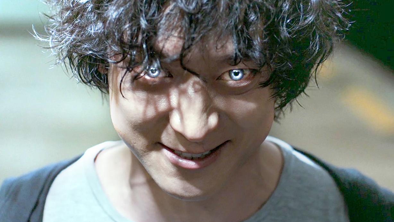 小伙天生拥有超能力,眼睛可以操控人类,让他们做任何事!速看科幻电影《超能力者》