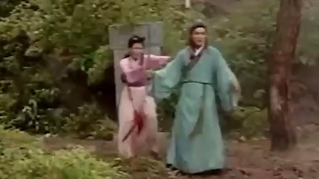 聊斋:书生为狐仙挡天劫,刚提宝剑出门,豪宅立马变荒坟!