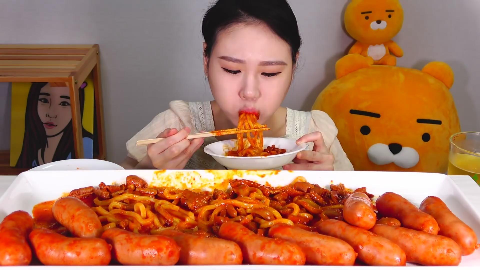 【Fran卡妹】 香肠牛肠乌冬面+煎饺乌冬面+海鲜黑豆炸酱面