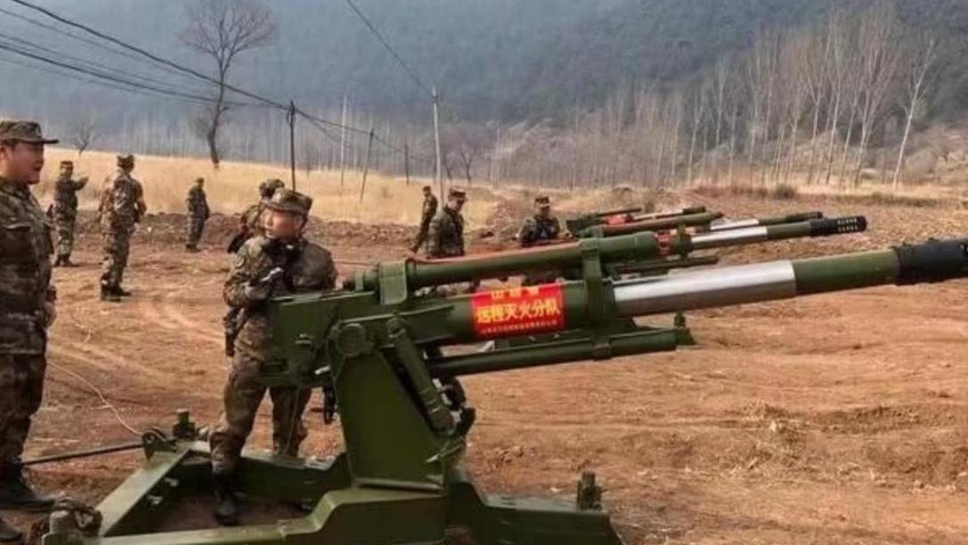 山西民兵驰援凉山火场,竟然带来6门火炮,这也能灭火?