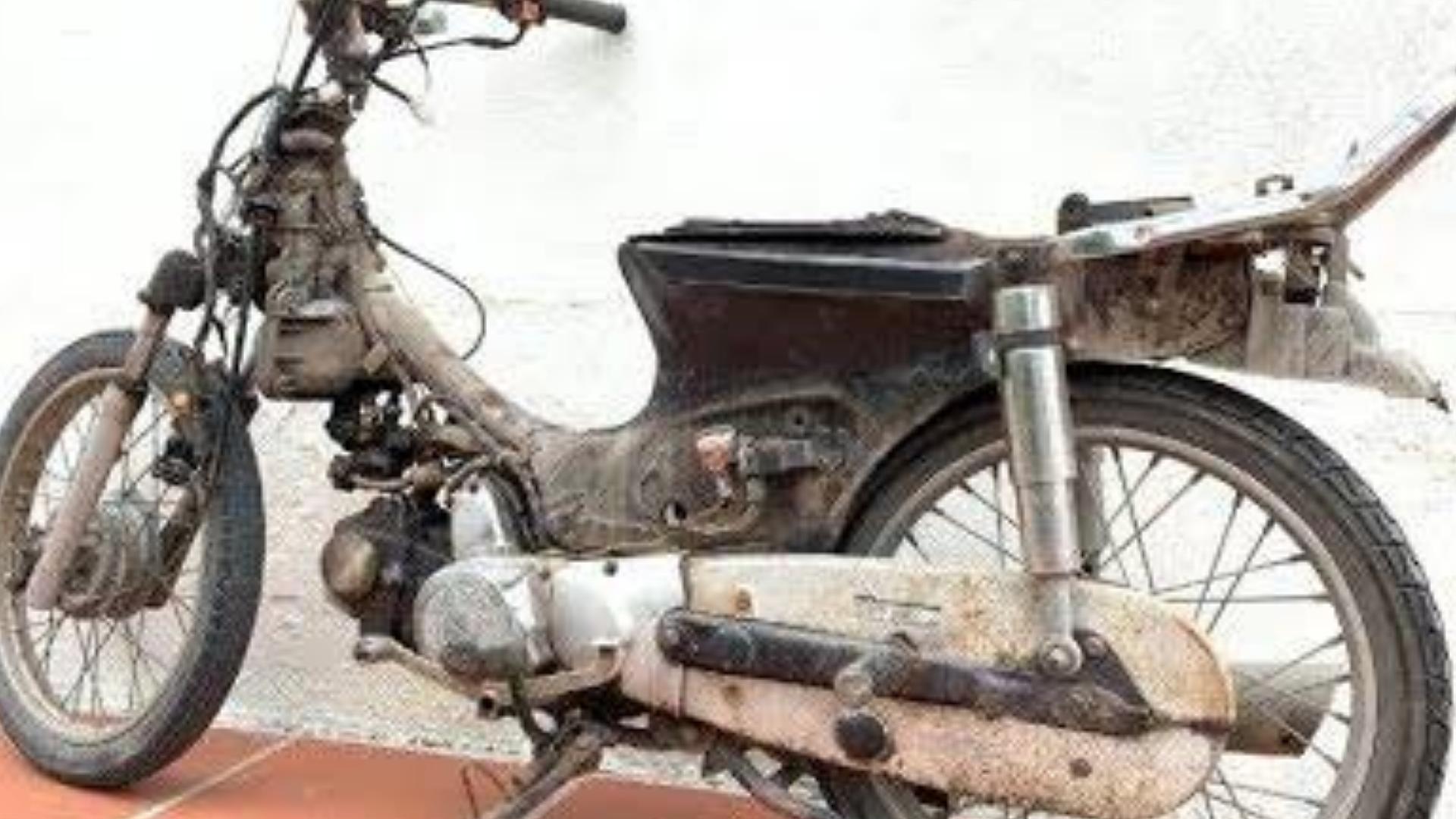 恢复旧摩托车经过多年的启动|恢复摩托车1部分