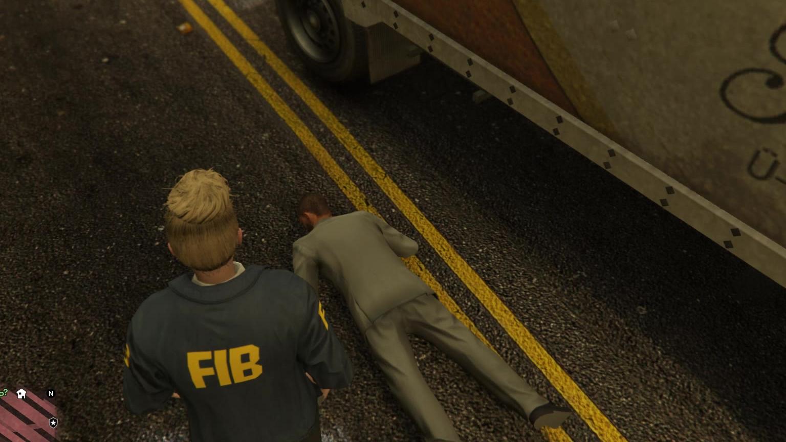 白天在LSPD 晚上再FIB