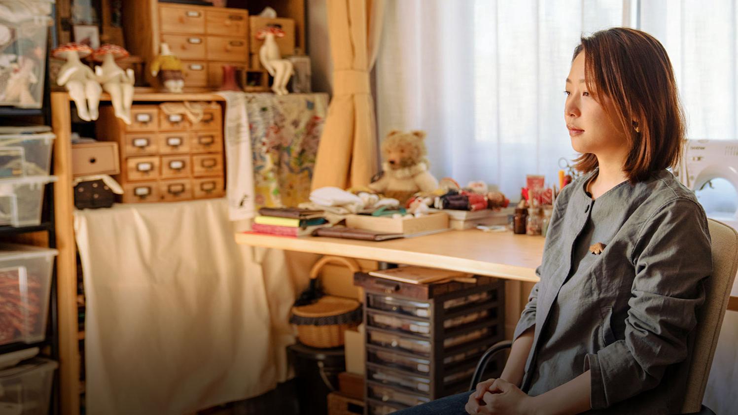 北京女孩家里蹲11年,与社会完全脱节,却红到国外