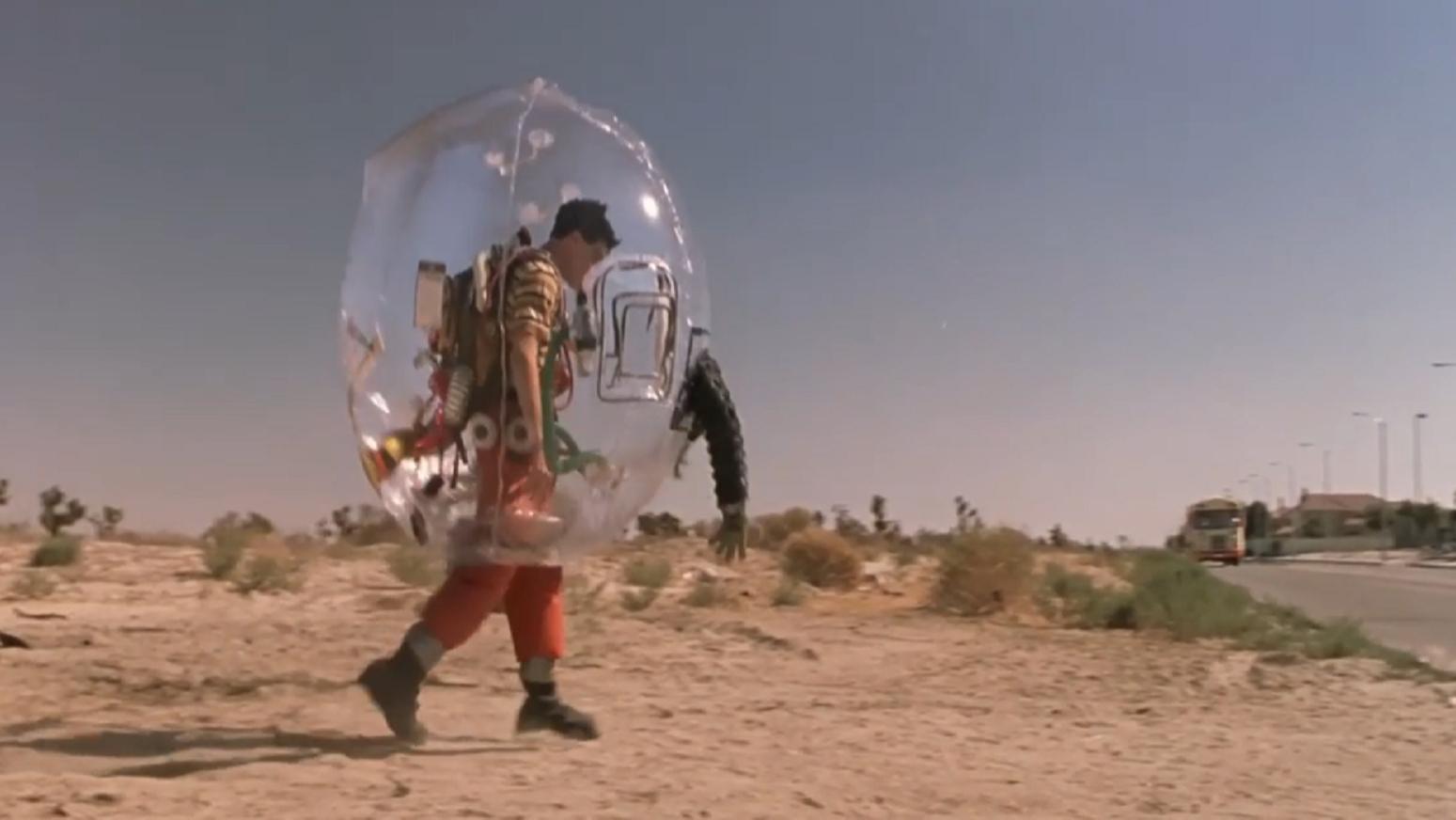 美国妈妈担心儿子被感染,于是把他装进泡泡里,一部爱情喜剧电影