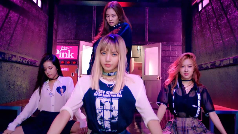 BLACKPINK -  붐바야 (BOOMBAYAH) MV