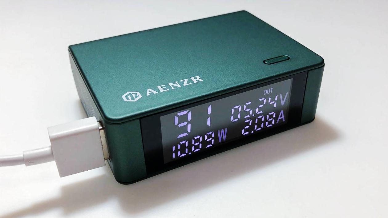 评测:AENZR全协议充电宝,能直接显示充电电流和功率,简直是黑科技!