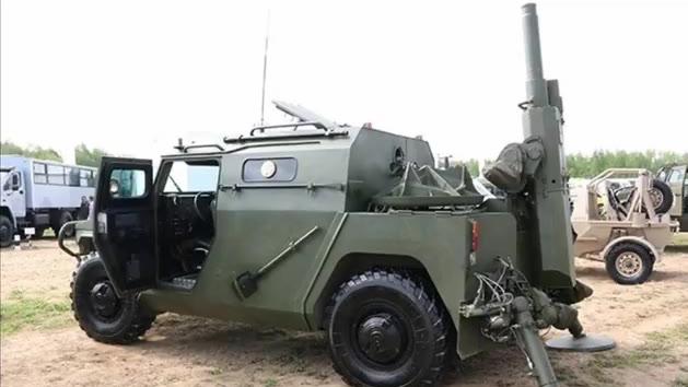 俄罗斯自动供弹迫击炮2C12A迫击炮,由虎式装甲车改装而成