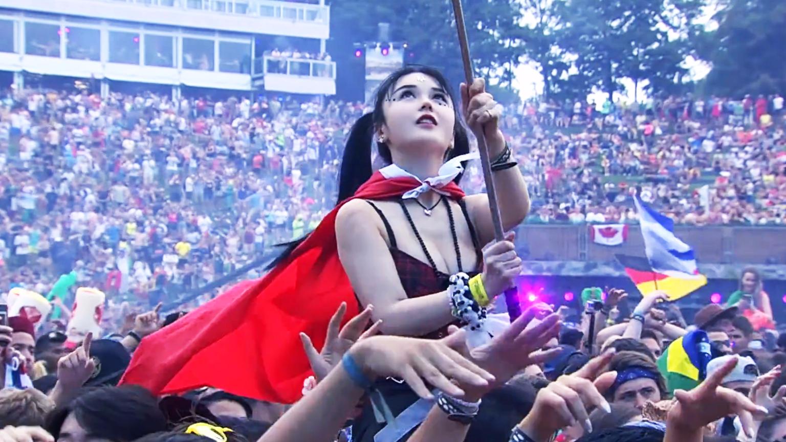 当上万中国人在电音节齐唱神曲《Faded》,老外都一脸懵了!