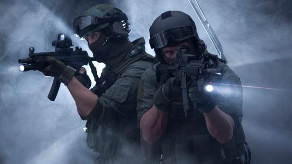 阿尔巴尼亚(精英特警队)毒镇交火,【死10个警察换一个敌人】,国际级特警战术水平堪忧!